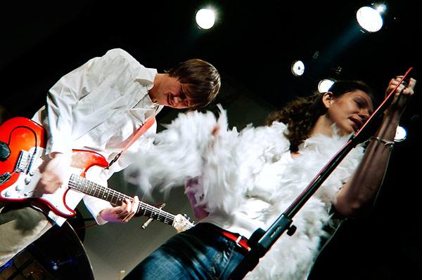 На фото: Чой, Май. Десятилетие группы «Девять» в клубе «Мастерская». Автор фото: willi-h. Дата: 24.09.2009.